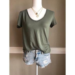 Green shirt sleeve tee